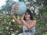 Lucy-globe6